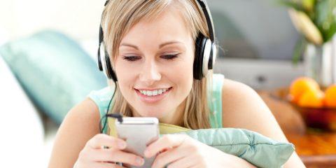 listening-to-ipad1