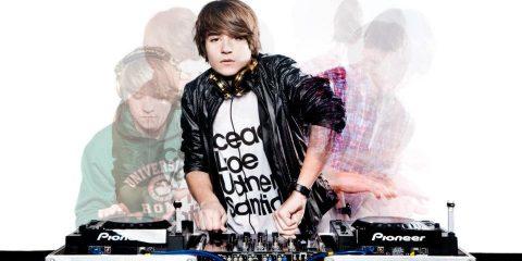 YOUNG DJ11