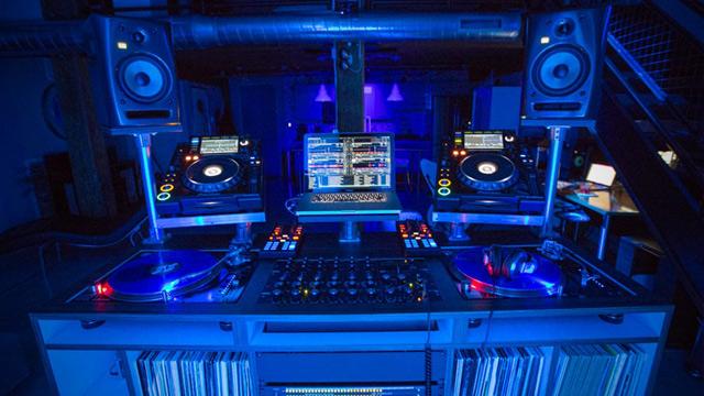 dj-booth-show-your-setup-header