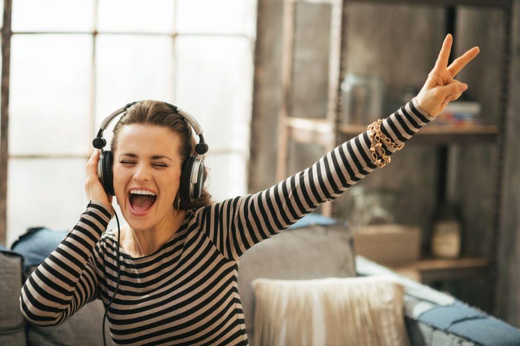 listening-music_4