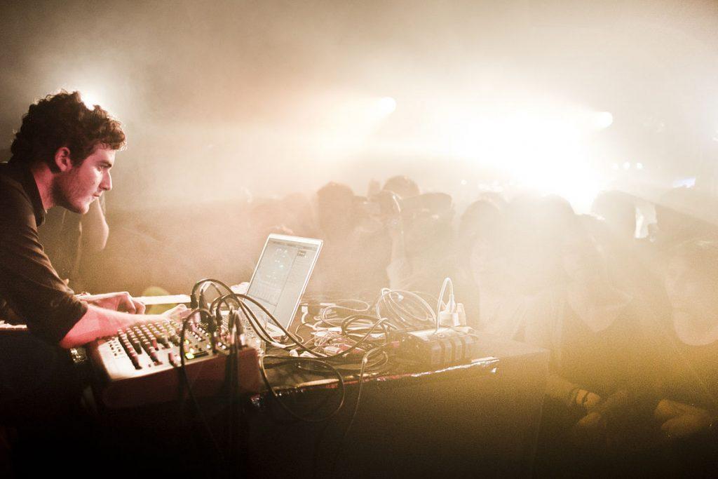Nicolas_Jaar_live_at_Rex_Club_Paris