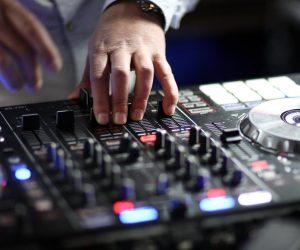 dj controller hands
